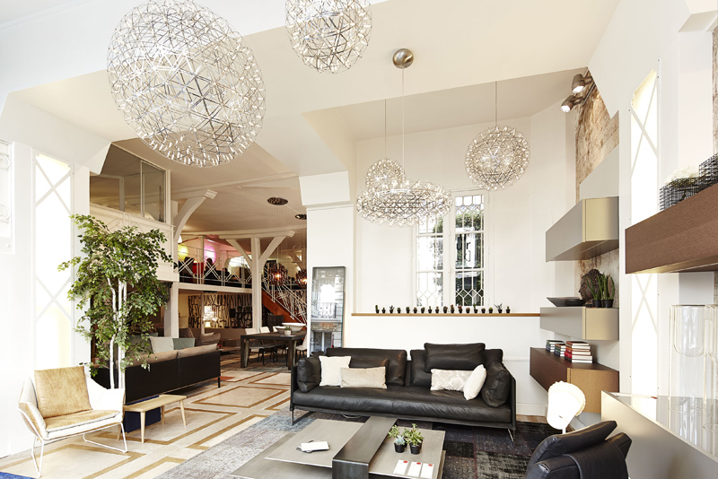 showroom 10surdix. Black Bedroom Furniture Sets. Home Design Ideas