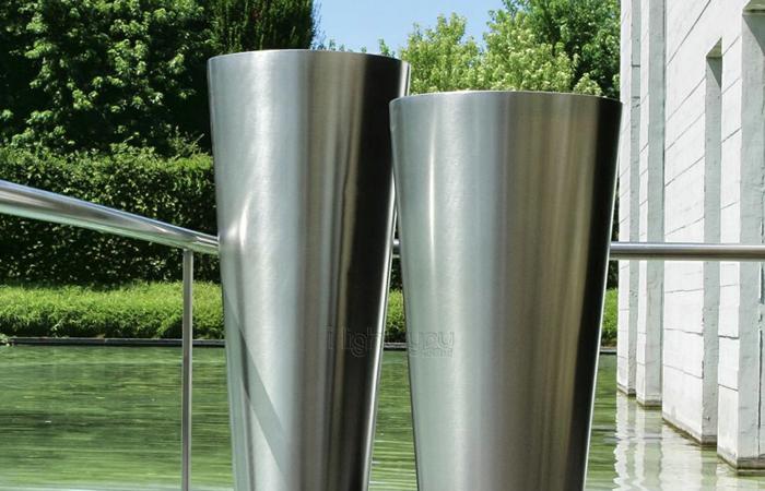 vase decoration interieur grand vase design interieur id. Black Bedroom Furniture Sets. Home Design Ideas