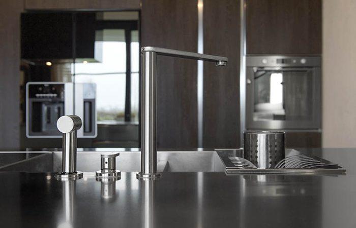 Cuisine atelier acier inox ilot sur mesure 10surdix for Ilot cuisine inox